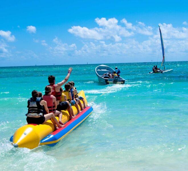bananenboot_vrachos_beach