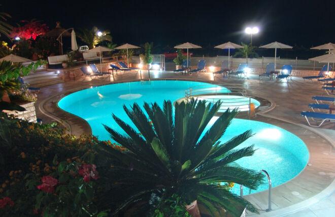 pool_haris_at_night